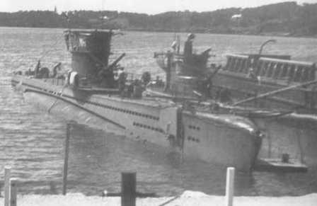 The MAREA (Left) in Bermuda along with the ONICE in summer 1944..</br>